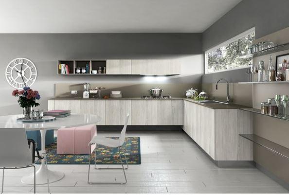Tủ bếp được sử dụng veneer màu vân gỗ, đường vân tạo sự đẹp mắt và thanh lịch